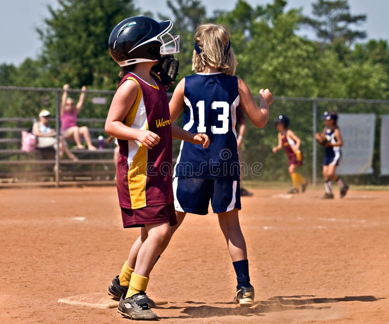 Softball da rapariga imagem de stock royalty free