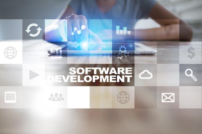 Software-ontwikkeling op het virtuele scherm Toepassingen voor zaken programmering stock afbeelding