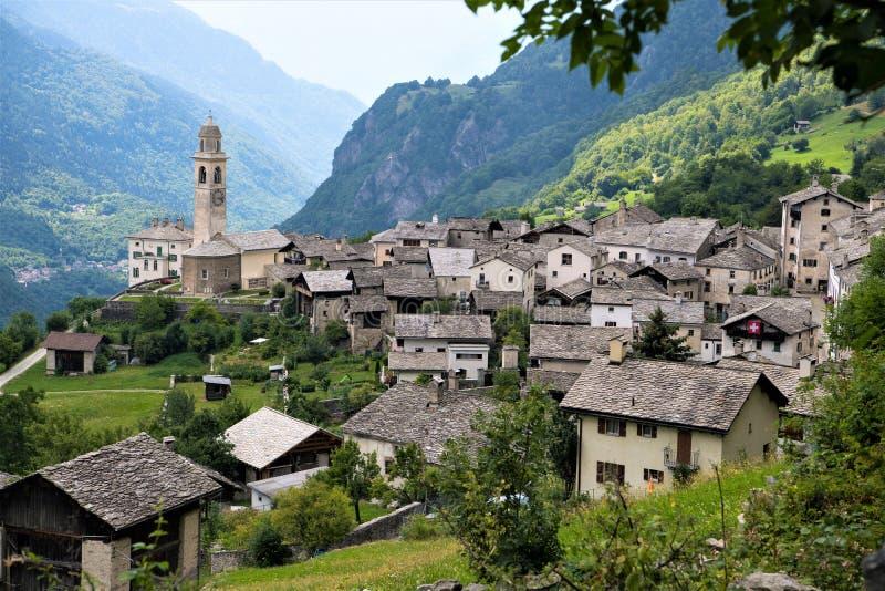 Soglio in Val Bregalia - il villaggio più bello in Svizzera immagine stock