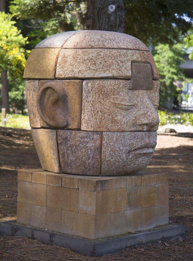 Sognatore che sogna in otto parti dall'artista Clayton Thiel alla passeggiata pubblica di arte in città di Yountville, California immagini stock libere da diritti