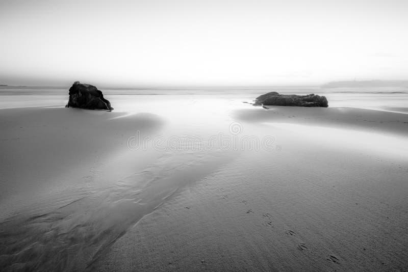 Sogno della scena in bianco e nero di vista sul mare fotografia stock