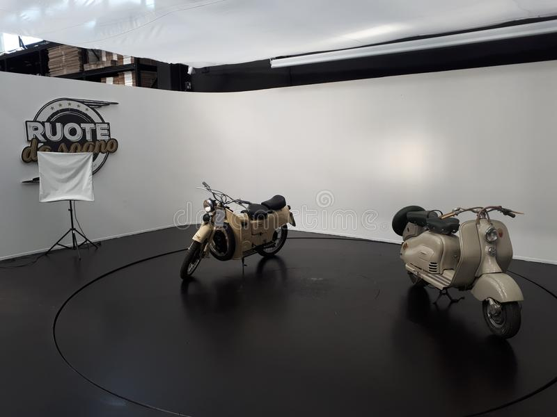 Sogno Ruote DA Auto-Motorradroller lizenzfreies stockfoto