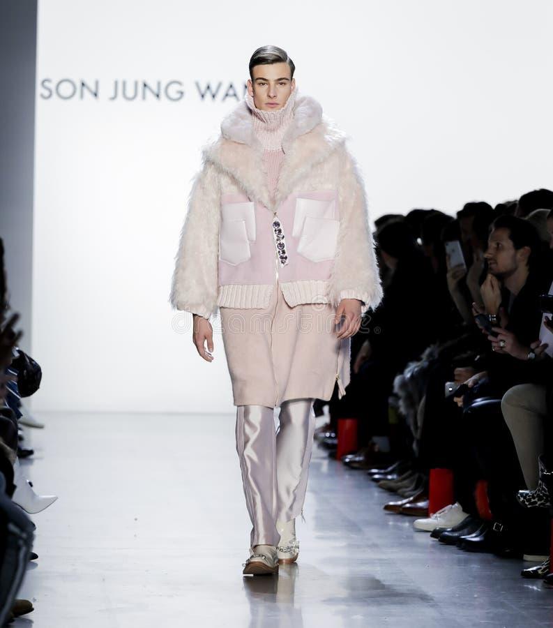 Sohn Jung Wan FW18 stockbilder