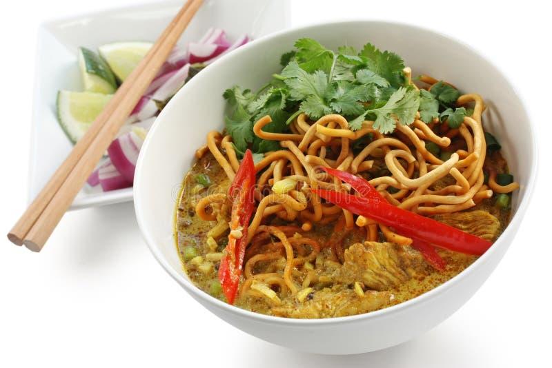 Soi de Khao, nouilles de cari, nourriture thaïe photographie stock