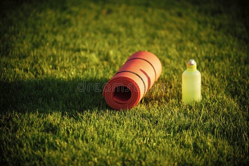 Soif, déshydratation, eau potable  image libre de droits