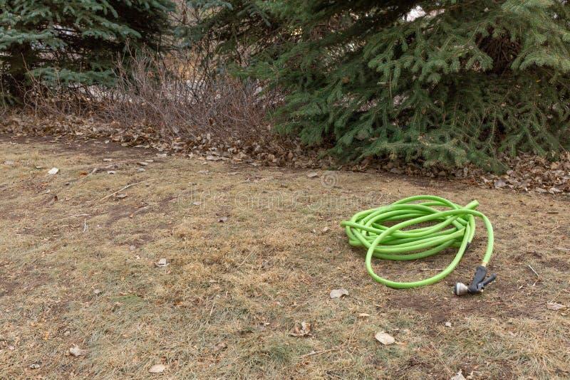 Soin de pelouse d'hiver photo stock