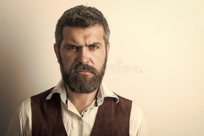 Soins de la peau de visage d'hommes Visage d'hommes de portrait dans votre advertisnent Les hommes guérit le soin de corps Hippie photographie stock libre de droits