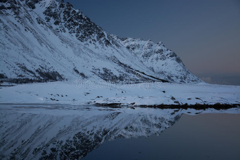 Soirée à un lac chez Knutstad, Norvège image libre de droits