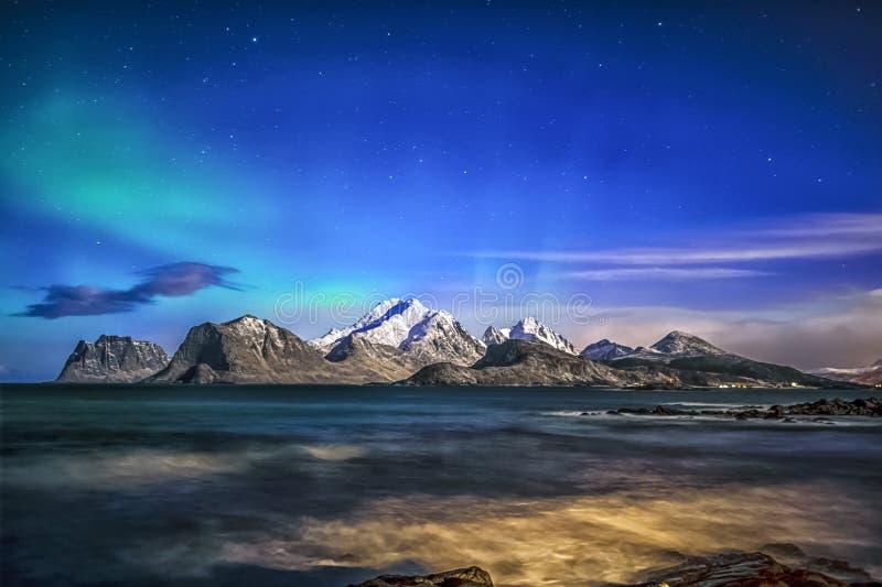 Soirée bleue avec Madame de brassage Aurora image stock