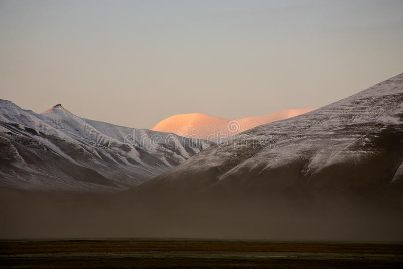 Soirée dans l'horizontal arctique images libres de droits