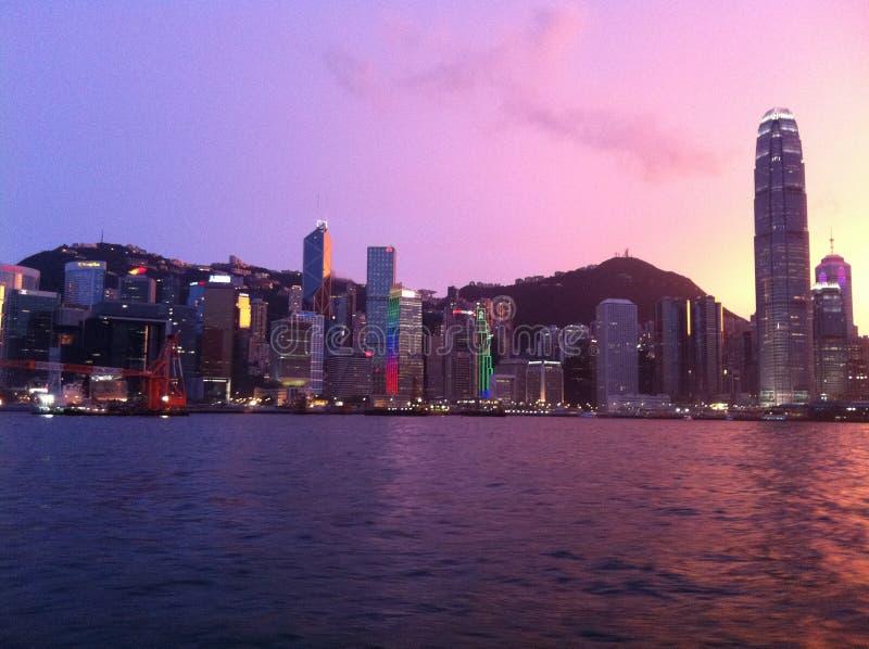 Soirée de Hong Kong Island un beau jour photographie stock