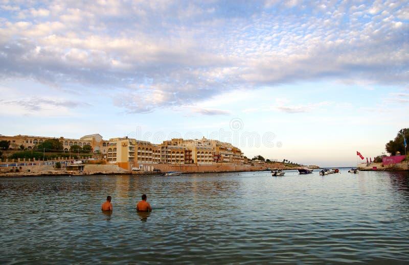 Soirée sur la plage, île de Malte photo stock