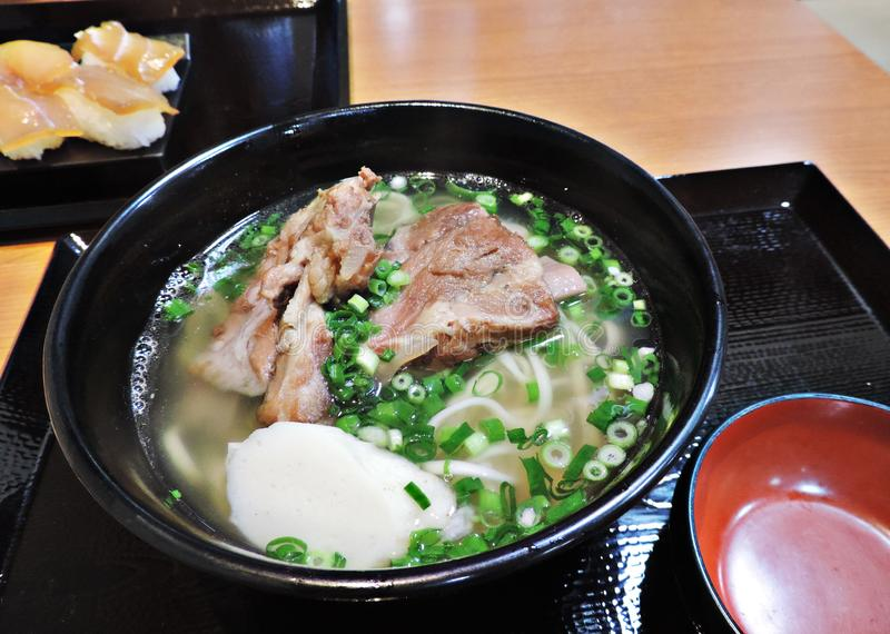 Soki saboroso Okinawa Soba em Japão foto de stock royalty free