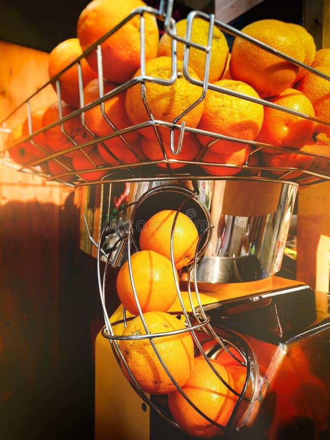 Soku pomarańczowego wyciskacza maszynowy przemysł obrazy royalty free