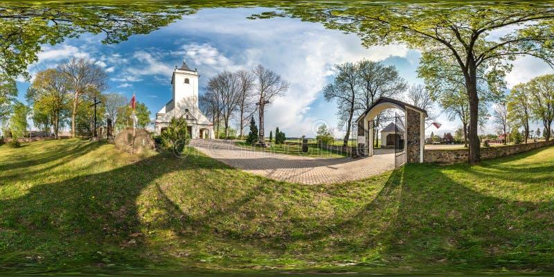 SOKULKA, POLONIA - MAGGIO 2019: Panorama senza cuciture completo 360 gradi di vista di angolo in vecchia citt? con bello stile me immagini stock libere da diritti