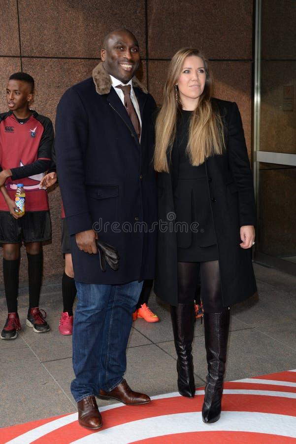 Sol Campbell e Fiona Barratt fotos de stock royalty free