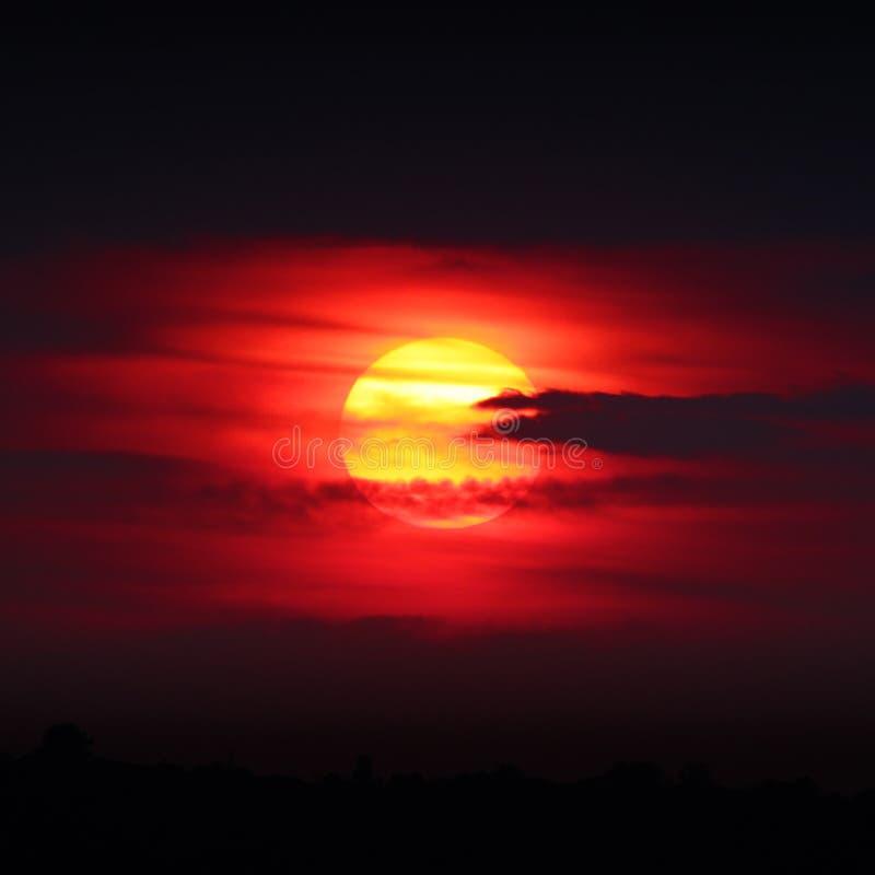 Sol de la puesta del sol fotografía de archivo