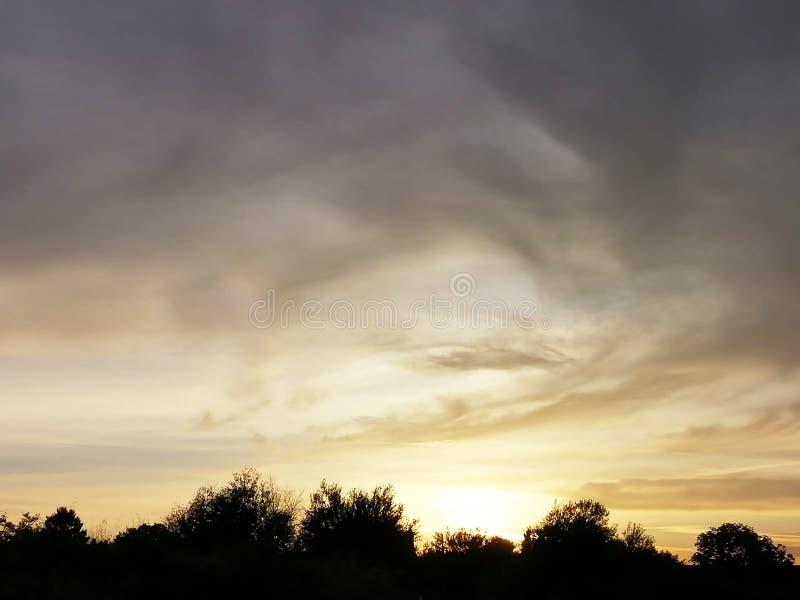 Sol de la sombra en tierra imagen de archivo