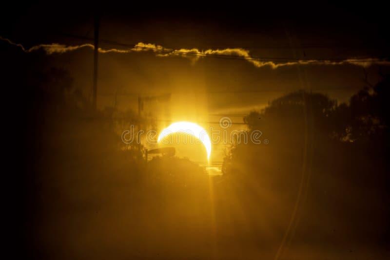Sol- förmörkelse i Mar del Plata, Argentina arkivbild