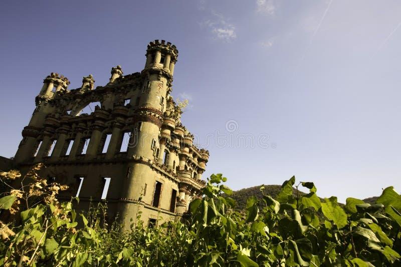 Sol gjord genomvåt slott arkivbild
