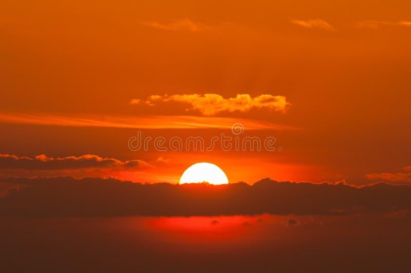 Sol grande do nascer do sol imagem de stock