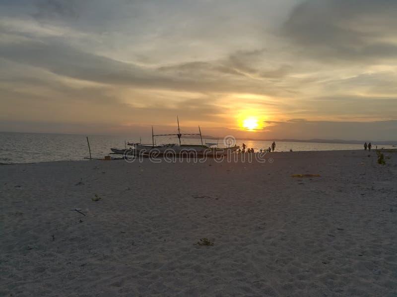 sol, hav och sand royaltyfri bild