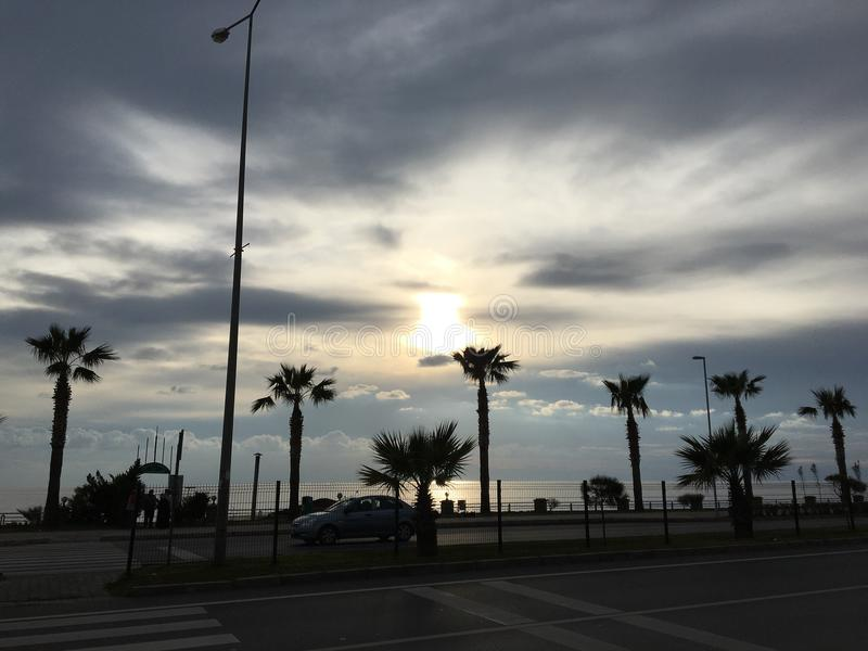 Sol i molnet royaltyfria foton