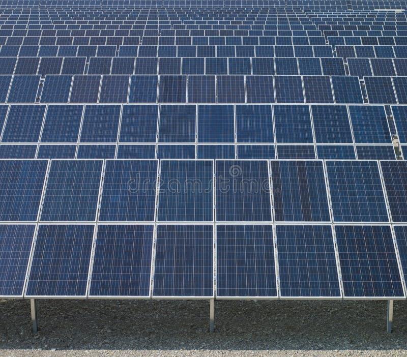 sol- nya paneler för energi royaltyfria foton