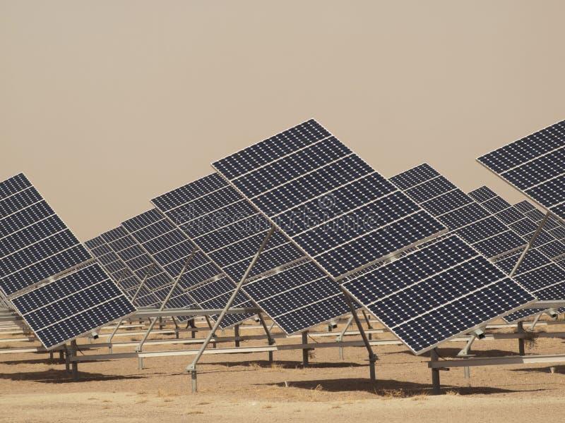 sol- panelväxtström arkivfoto