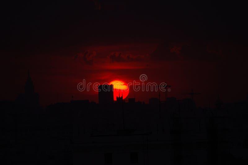 Sol rojo fotos de archivo libres de regalías