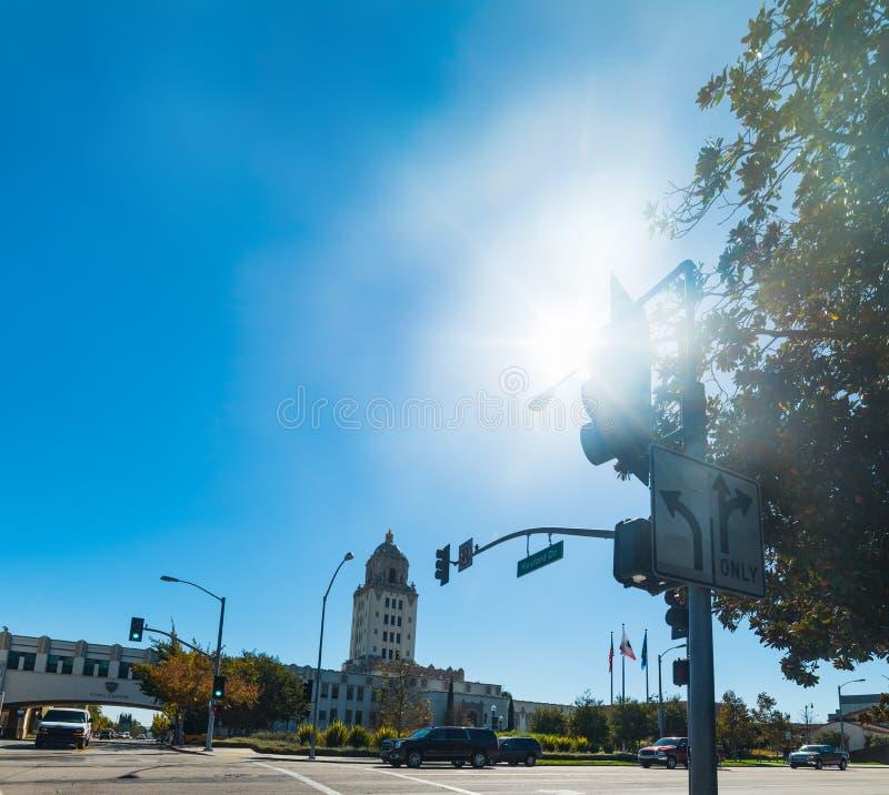 Sol som skiner över det Beverly Hills stadshuset royaltyfri foto
