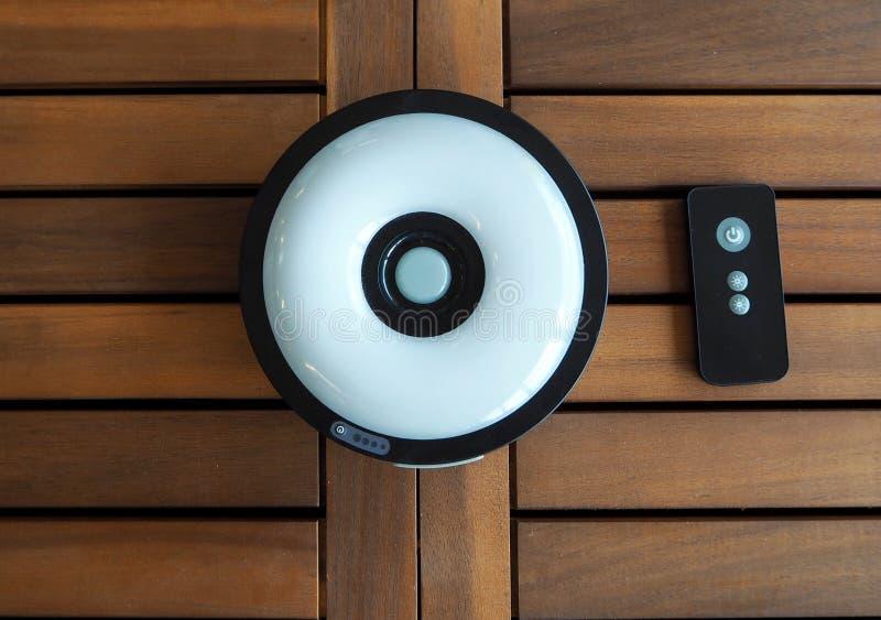 Sol- uppladdningsbar lampa för trädgård med fjärrkontroll royaltyfri fotografi