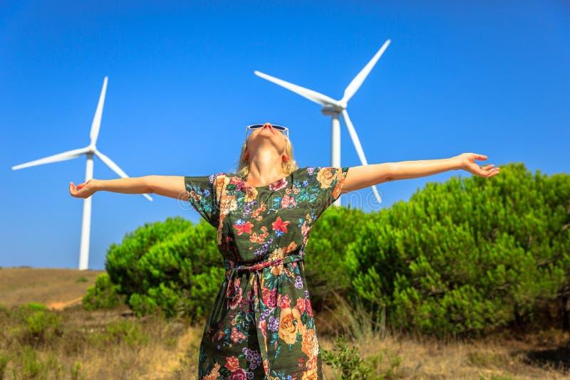 sol- wind för alternativ för bakgrundsbegrepp digital illustration för energi royaltyfri fotografi