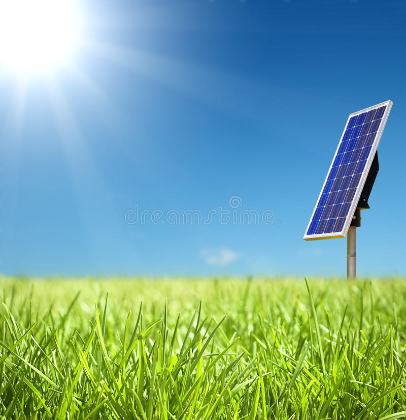 Free Solar Cell And Sunray Royalty Free Stock Image - 9546856