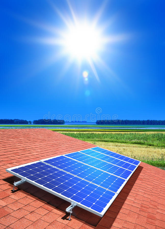 Free Solar-cell Array On Roof Royalty Free Stock Images - 16338449