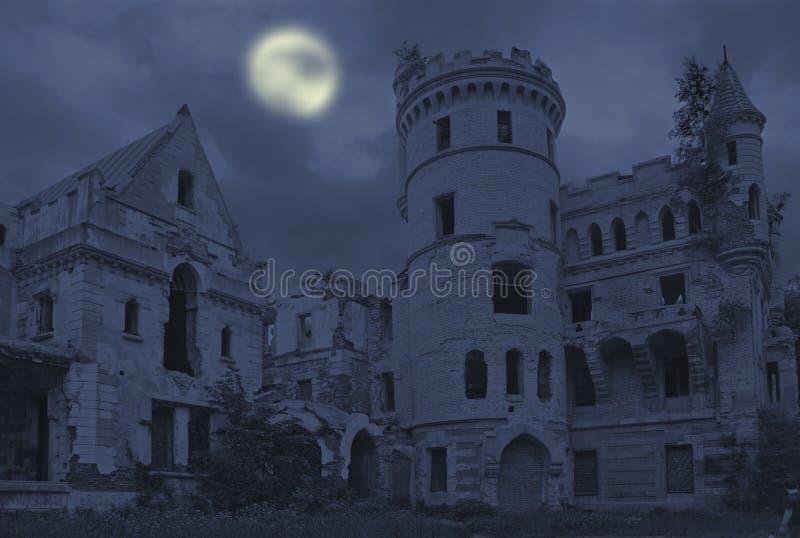 Download Solar gótico velho foto de stock. Imagem de manor, arquitetura - 16859186