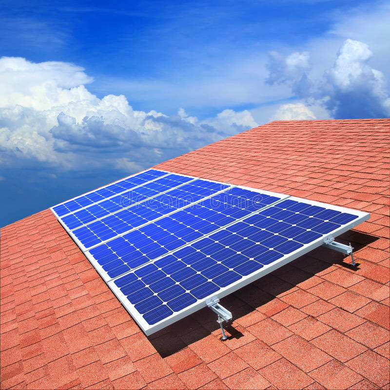 Free Solar Panels On The Roof Royalty Free Stock Photos - 15963008