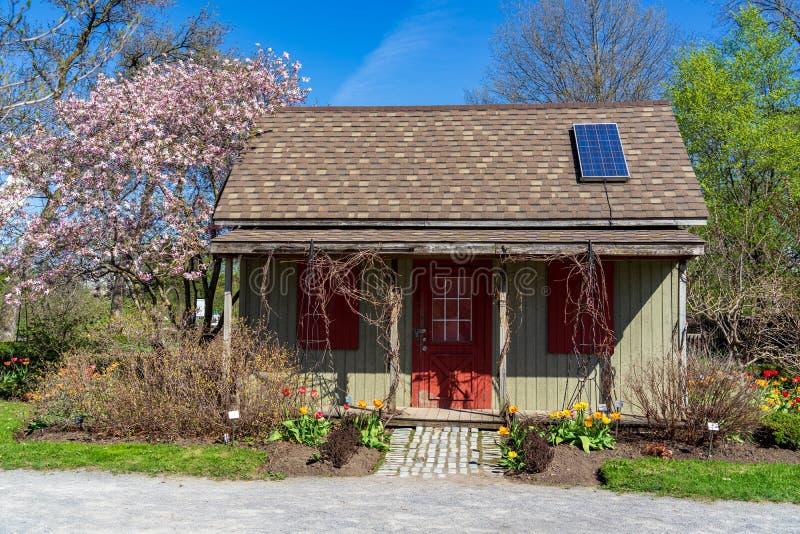 Solarenergie an botanischem Garten Montreals stockfotos