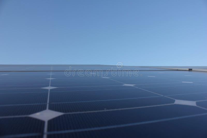Solarenergie, Sonnenkollektoren, erneuerbare Energiequellen, PV-Module stockfoto
