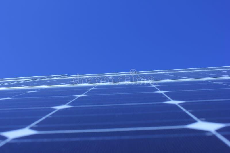Solarenergie, Sonnenkollektoren, erneuerbare Energiequellen, PV-Module stockbild