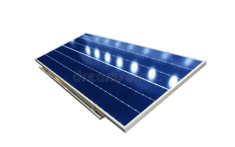 Solarzellen absorbieren Sonnenlicht als Energiequelle zur Erzeugung von Gleichstrom lizenzfreie stockfotografie