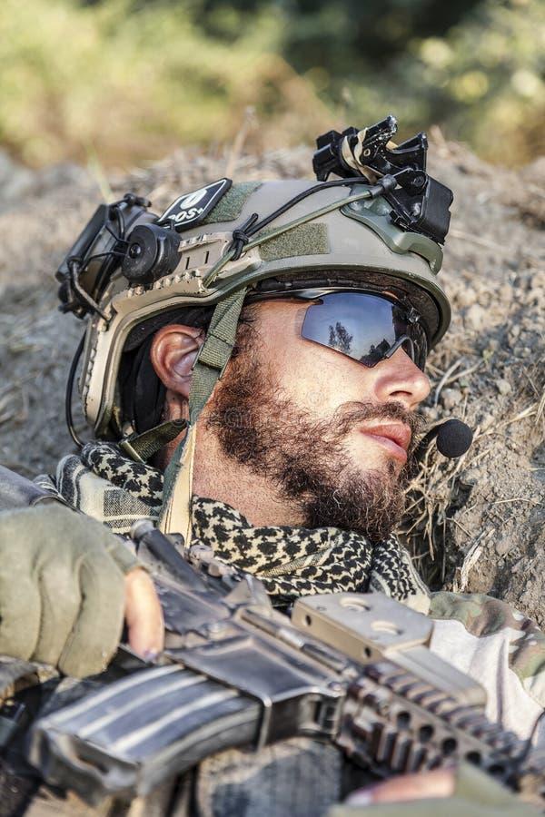Soldado americano en la tierra fotografía de archivo