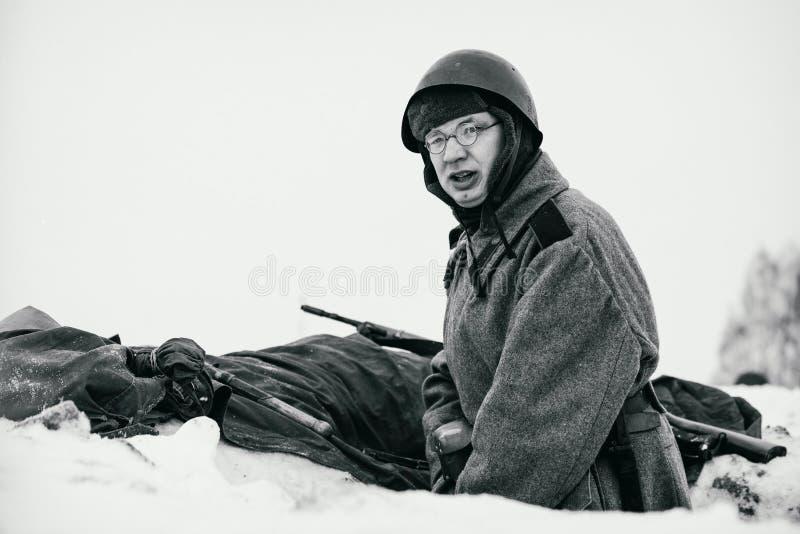 Soldado de ejército rojo en su posición Foto blanco y negro de Pekín, China foto de archivo libre de regalías