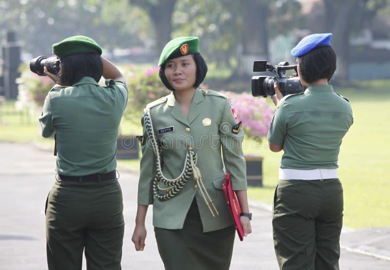 Soldado de las mujeres foto de archivo