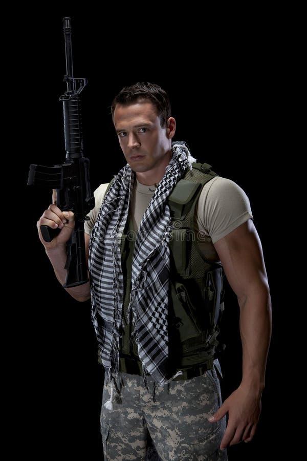 Soldado de sexo masculino atlético imagen de archivo
