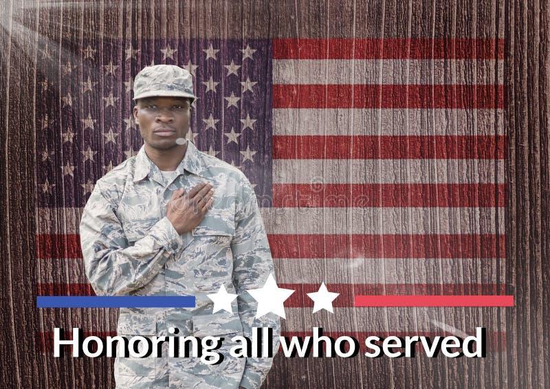 soldado do dia de veteranos na frente da bandeira fotografia de stock royalty free