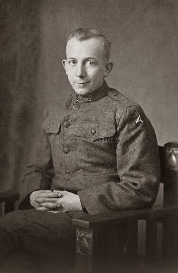 Soldado do exército da Primeira Guerra Mundial imagens de stock royalty free