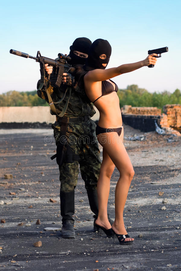 Soldado e mulher 'sexy' fotografia de stock