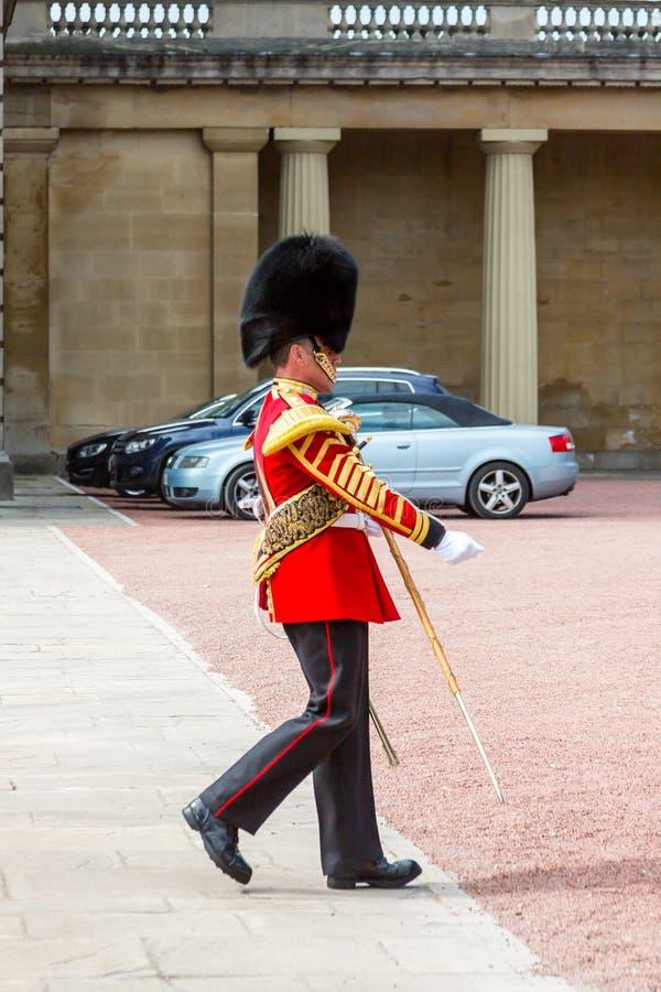 Soldado en el Buckingham Palace foto de archivo libre de regalías