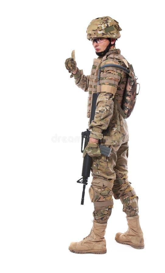 Soldado moderno con el rifle fotos de archivo libres de regalías